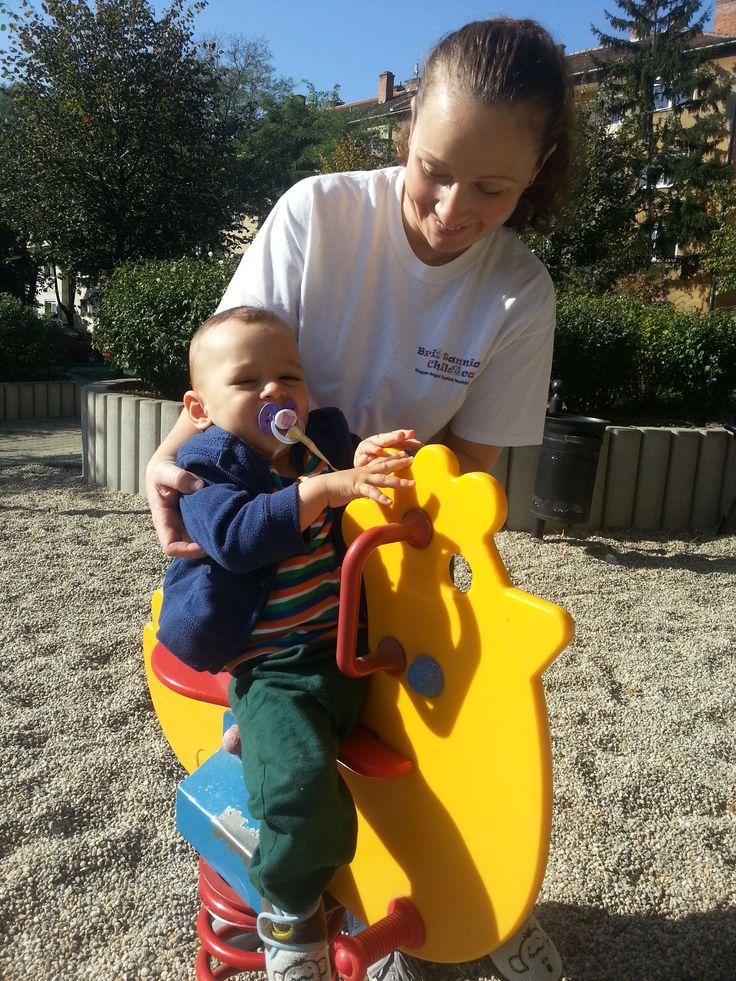 A legkisebbek is megtalálják a nekik való játékokat, persze a gondozók segítségével!