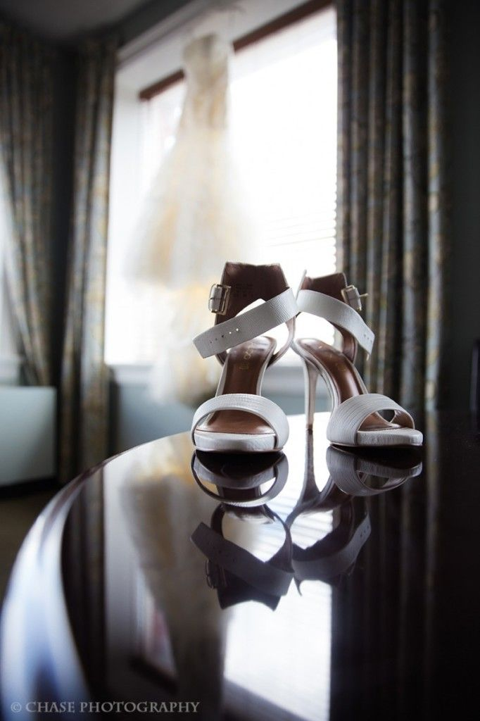Wedding Shoes   Artistic wedding photography, engagement photos and portraits   chasephotography.ca