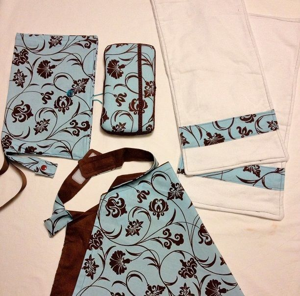 Nappy Clutch/Wallet Deluxe Set with Matching Accessories