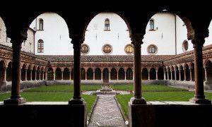 Il chiostro della chiesa di S. Francesco - Itinerari Brescia - Fotografia di Laura Gatta ©
