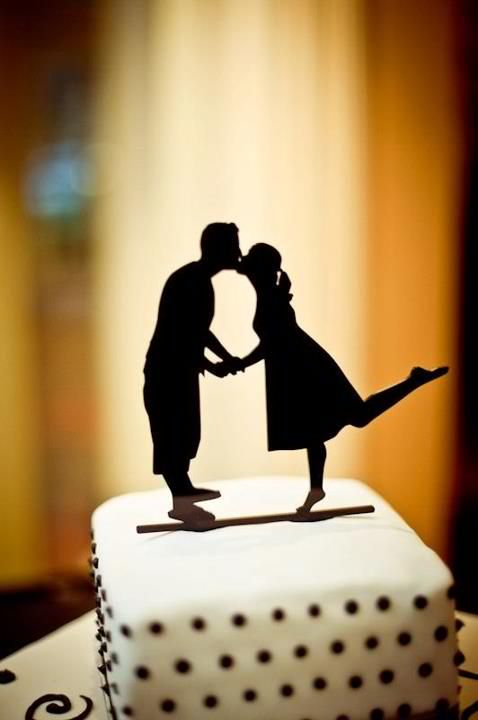adorable cake topper!   Real silhouette of bride and groom. From Simply Silhouettes. #silhouette