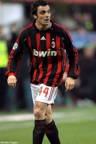 Massimo ODDO; 1992–1993 Renato Curi Angolana, 1993–1999 MILAN, 1995–96 loan Fiorenzuola, 1996 loan Monza,1996–97 loan Prato, 1997–98 loan Lecco,1998–99 loan Monza, 1999–2000 Napoli, 2000–2002 Verona, 2002–2007 Lazio, 2007–2012 MILAN, 2008–09 loan Bayern GER, 2011–2012 loan Lecce
