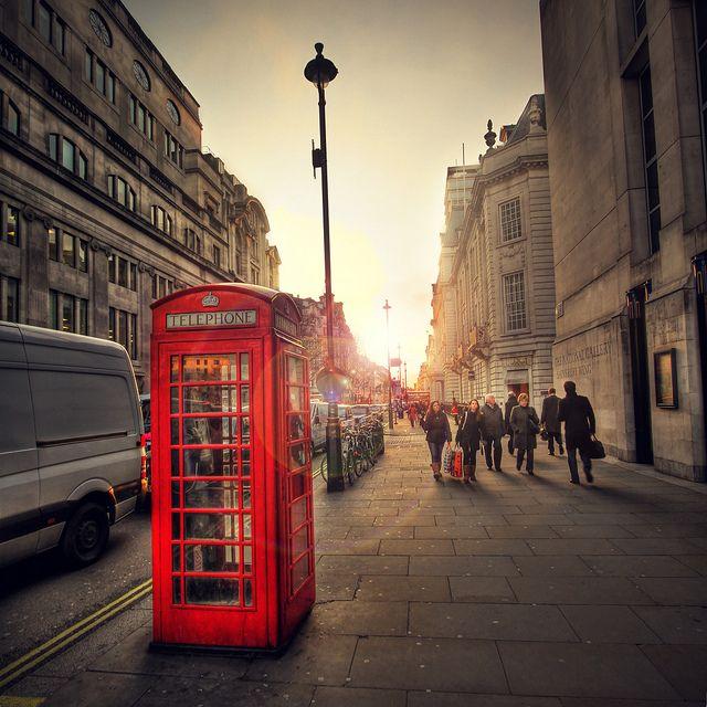 for meFavorite Places, London Calling, Telephone Boxes, London Phones, Classic London, Vegan Meals, London England, Phones Booths, London Cities