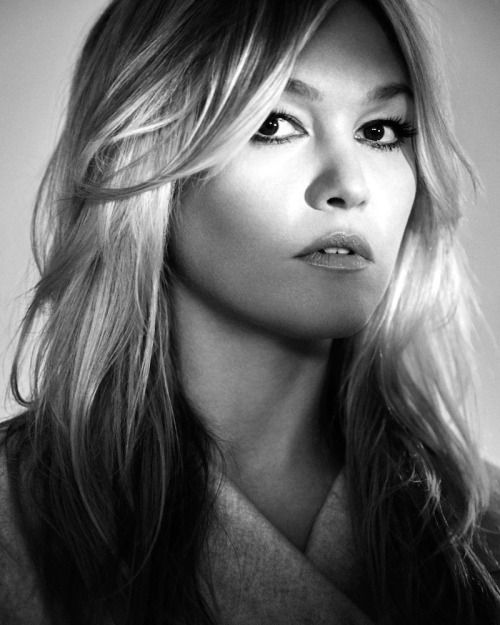 #mariablanca:  Julia Stiles by Justin Hollar for Interview...
