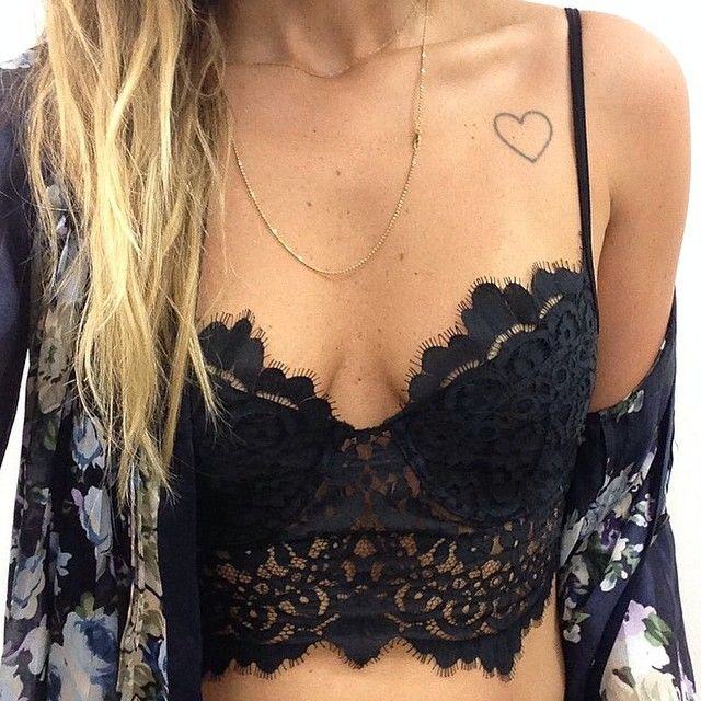 This top is a little too revealing for me but I like the look of the black lace with the kimono (: