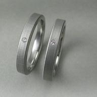 $43.97 Anillos de compromiso y de boda de Bella, la protagonista de 'La saga Crepúsculo' (Twilight Breaking Dawn Bella's Engagement Ring and Wedding Band Set)