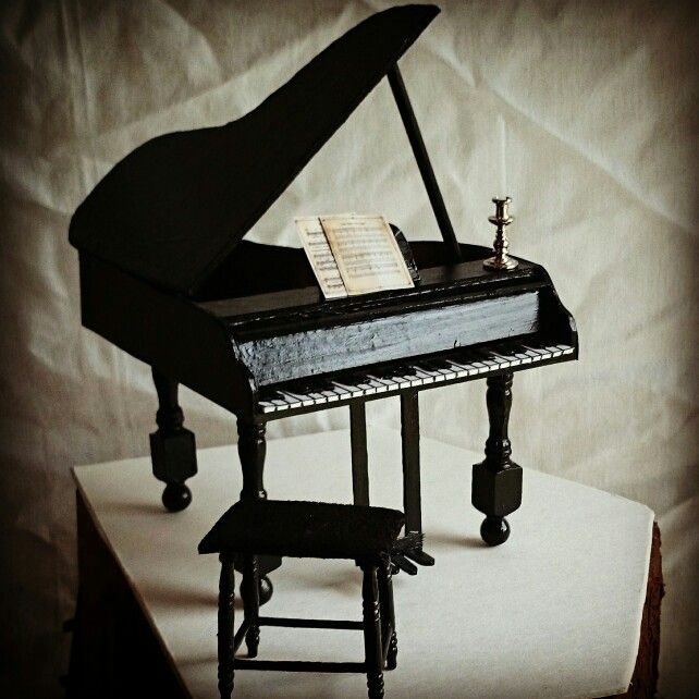 Dollhouse grand piano