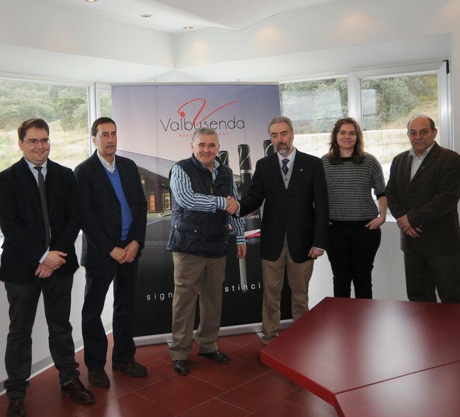 La Universidad de León desarrolla un proyecto de I+D para la mejora de los vinos de Toro http://www.vinetur.com/2013022711689/la-universidad-de-leon-desarrolla-un-proyecto-de-i-d-para-la-mejora-de-los-vinos-de-toro.html