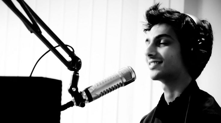 Anirudh connects with Suseenthiran's Vil Ambu