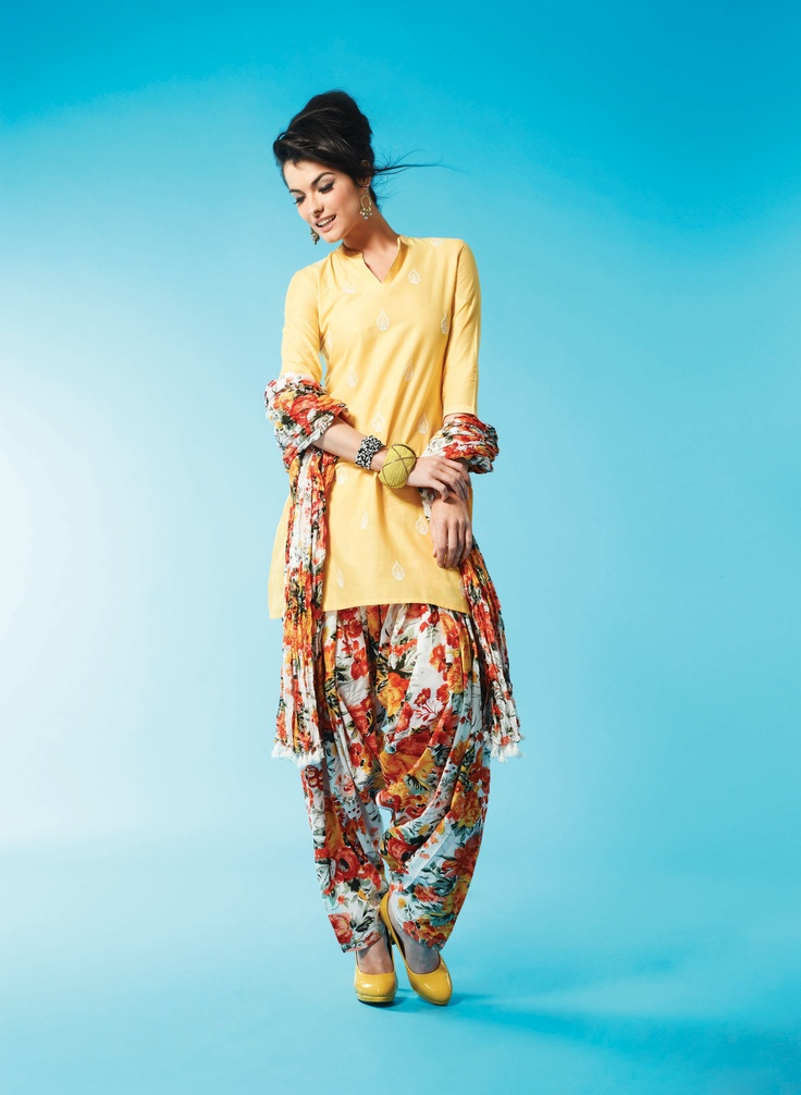Rangmanch - I absolutely love this look! So simple and pretty (: for more follow my Indian Fashion boards! #floralprint