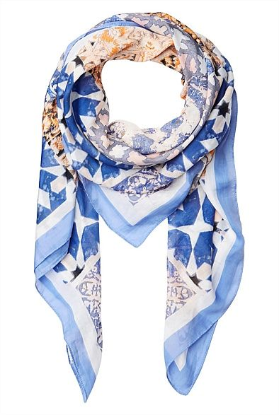 LOVING the Mozaic Tile Scarf! It's like my own slice of GREECE, around my neck #witcherystyle