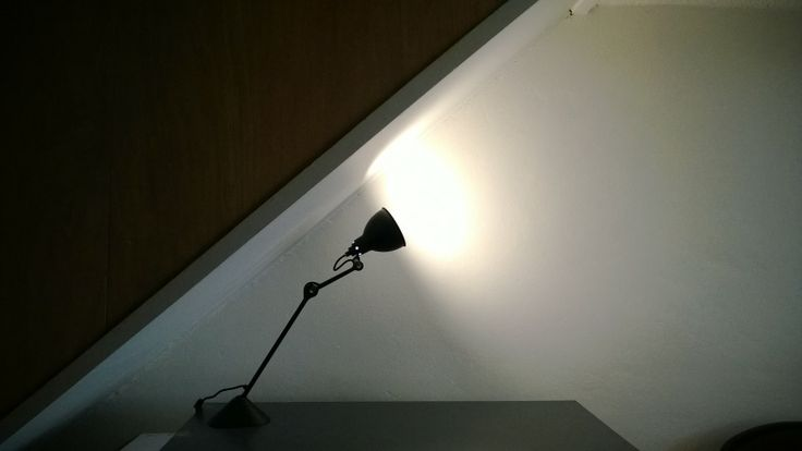 Lampe Gras 205, Le Corbusier, Perriand Nantes, www.fauteuil-club.info