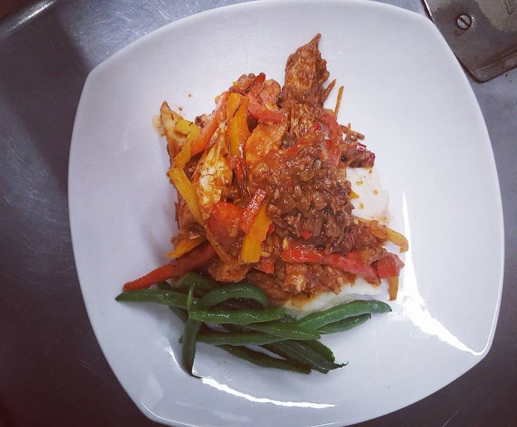 #wreats #cbridge #wrasome #cooking #spices #peppers #hot #ghostpepper #tomatoes #lime #wildblackcumin #tuedaynight #dinnerdates #chicken #bistros #elixirbistro