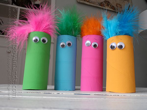 What a simple craft for the kids! Adding these cardboard tube featherheads to the list! #kidscrafts @Amanda Snelson Formaro