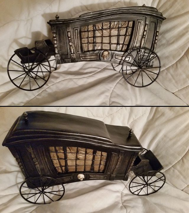 this is a great way to include a hearse in your haunted mansion halloween party decor