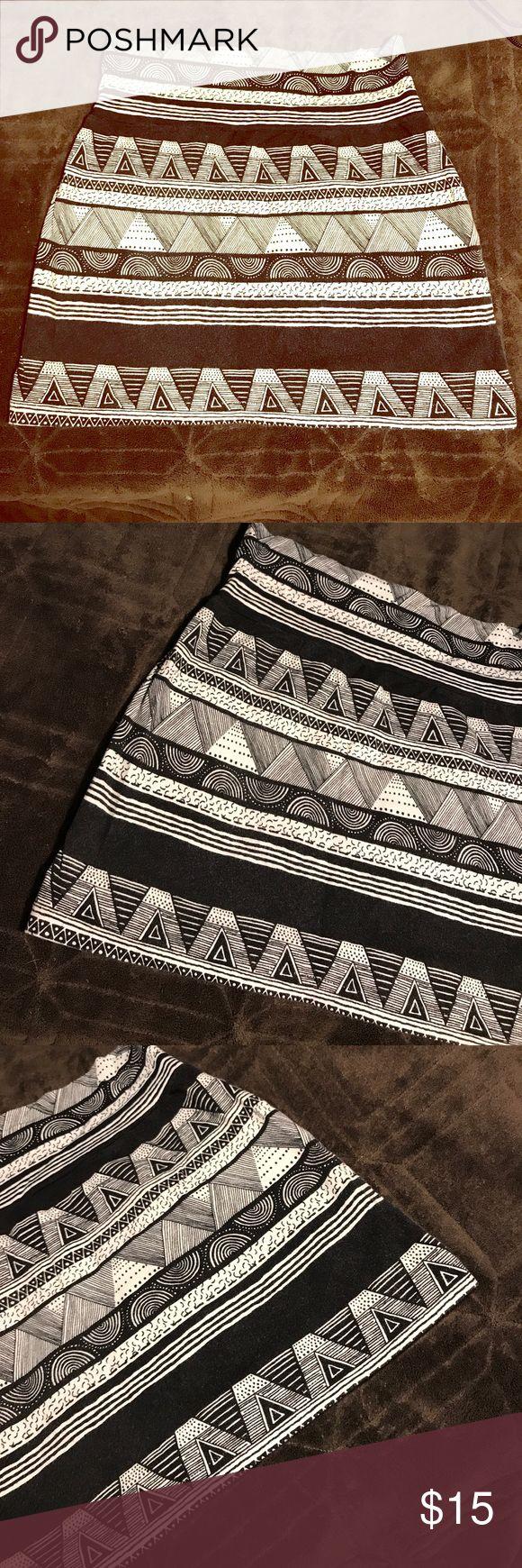 American apparel tribal print skirt American apparel tribal print skirt. Size small. Never worn just tried on. Did not fit. American Apparel Skirts Mini