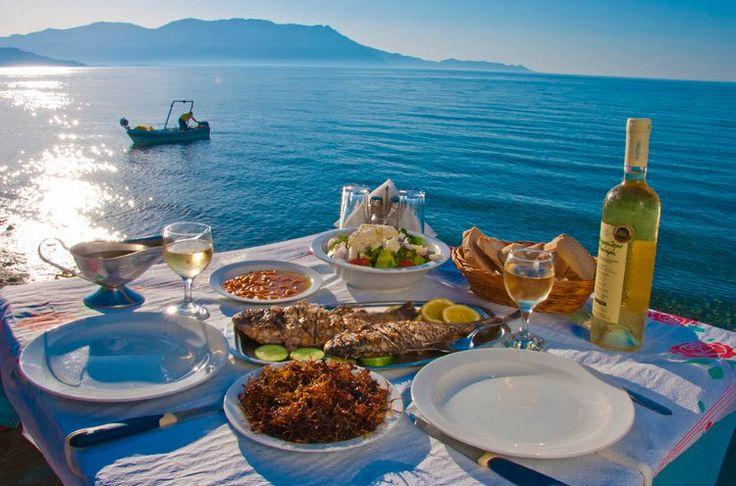 Akrogiali Fish Tavern near Kissamos, Crete