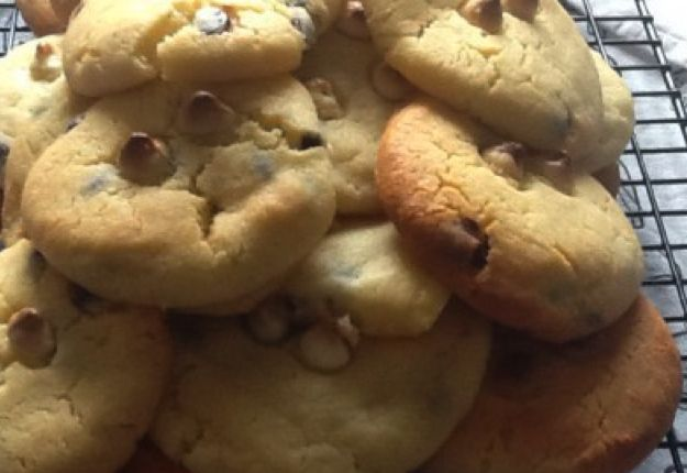 Biscuits for the masses - Real Recipes from Mums