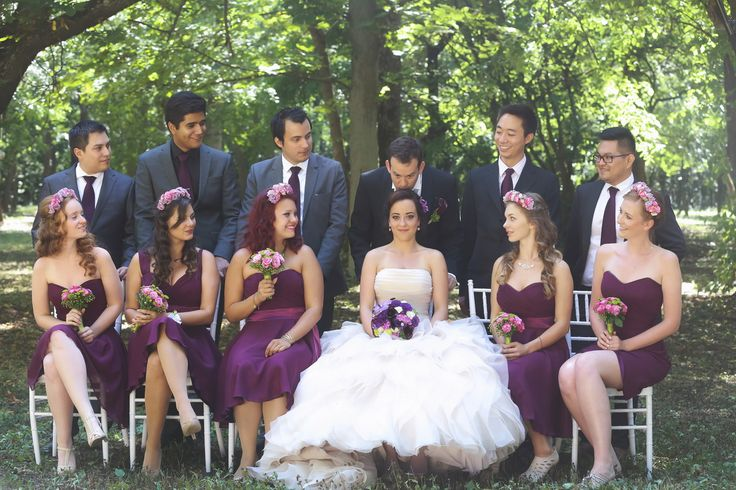 Lovely groomsmen and bridesmaids photo idea for forest weddings (purple and green theme)