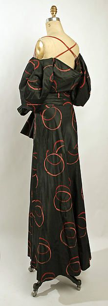 Evening dress (image 2) | Madeleine Vionnet | French | spring/summer 1935 | silk | Metropolitan Museum of Art | Accession Number: 1985.364.4