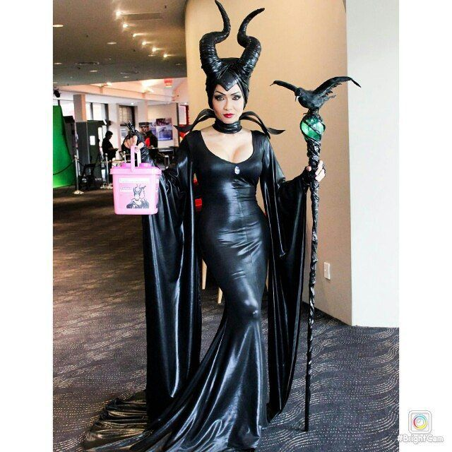 Disney's Maleficent At 2015 Sci-fi film festival.... #maleficent #cosplay #supershowgirlcosplay ...