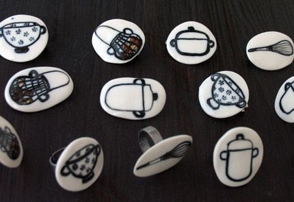 Porcelain Brooches and Rings: by Mónica Tort Bori from Pamplona, Spain