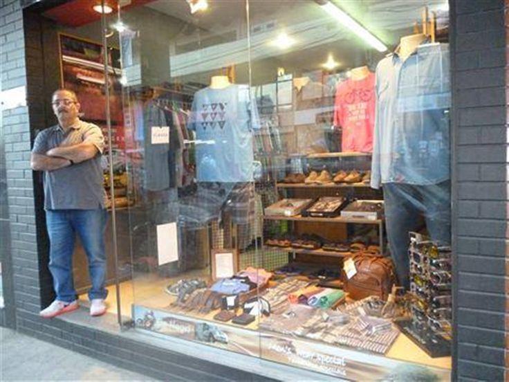 A Loja virtual para grandes homens que vestem roupas de tamanhos especiais. Enviamos para todo o Brasil. Loja (24) 2245-9091 WhatsApp (24) 99965-1942 - www.denegri.com.br