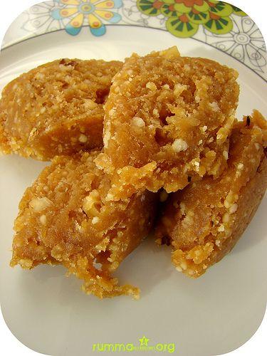 Helva tarifleri geleneksel tatlılardan olup Türk mutfağında un helvası ve irmik helvası yaygındır.Helva kandillerde ve ölen kişinin ardından yapılan adetlerimizdendir.Tereyağlı helva her zaman makbul olanıdır bazen de kaymakla kavrulur ki lezzetine doyum olmaz bknz.höşmerimli helva.Değişik ana malzemeler de kullanılarak değişikhelva tarifleri yapılabilir, örneğin leblebi tozu helvası ve mısır unu helvası gibi.Tarif kadar helva yapmanın püf …