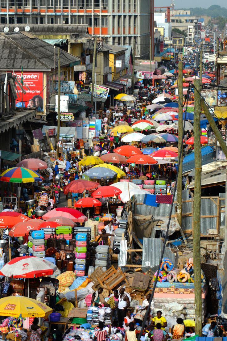 catandfinch:  Never a dull moment.Makola Market, Accra, Ghana.photo @catandfinch