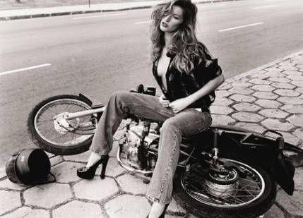 60+ Ideen Motorrad Fotografie Frauen Pin Up   – Beautiful Food Photography + Styling – #Beautiful #Food #Fotografie #Frauen #Ideen