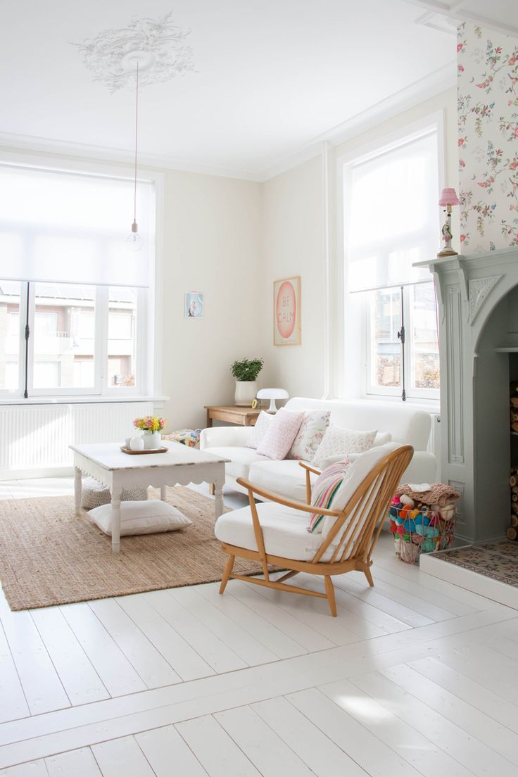 Homes with Heart: Scandinavian Pretty Home Tour with Yvonne from Yvestown (decor8)