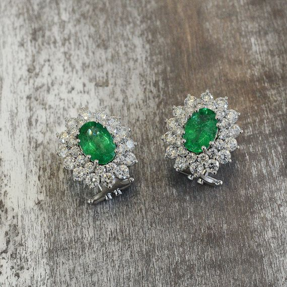 Earrings in 18 kt gold with #emeralds of 1,36 ct (2 earrings) )and natural brilliant-cut white #diamonds of 1.52 ct (2 earrings). The #earrings are available in white gold, rose gold, yellow gold, but you can also customize carats, quality, and color of #gemstones.  All our #jewelry are made in italy. Contact us for any particular request.