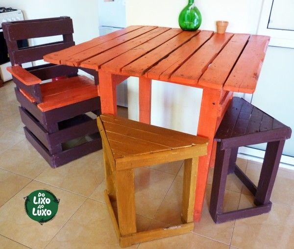Mesa y taburetes de pallets