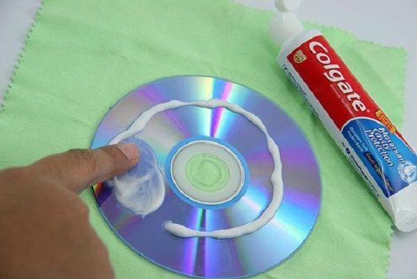 NapadyNavody.sk   Užitečné tipy a triky jak využít zubní pastu jinak (Část 2)