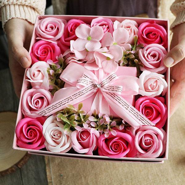 Rose Soap Petals Gift Set From Apollo Box Flower Box Gift Flower Gift Ideas Rose Petal Soap