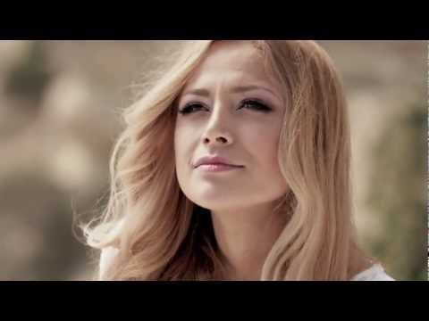 Running Scared By Ell Nikki I Thought This Music Video Was Kinda Cheesy At First But The Song Grew On Me So Don T Judge The So Nikki Scared Music Videos