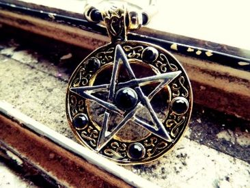 Pentagram Gold - Necklace