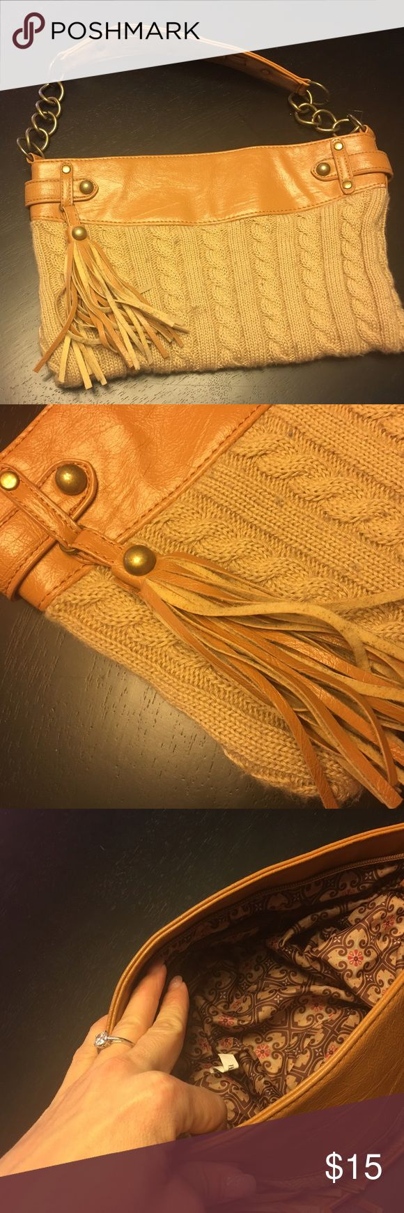 """tassel purse super cute """"sweater"""" purse. great neutral purse, perfect for cooler weather. smoke free home. ❌no trades❌ Bags Shoulder Bags"""