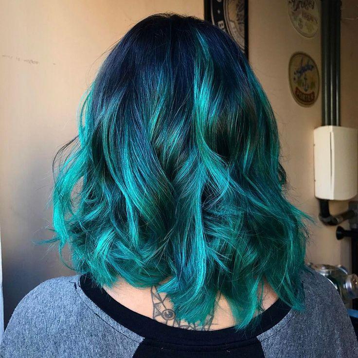 "499 curtidas, 7 comentários - hair by Isabella Carolina (@dear_bella) no Instagram: ""Turquoise Highlights! ✨ Cor para a Luiza. haircut @rafaele.schnorr"""