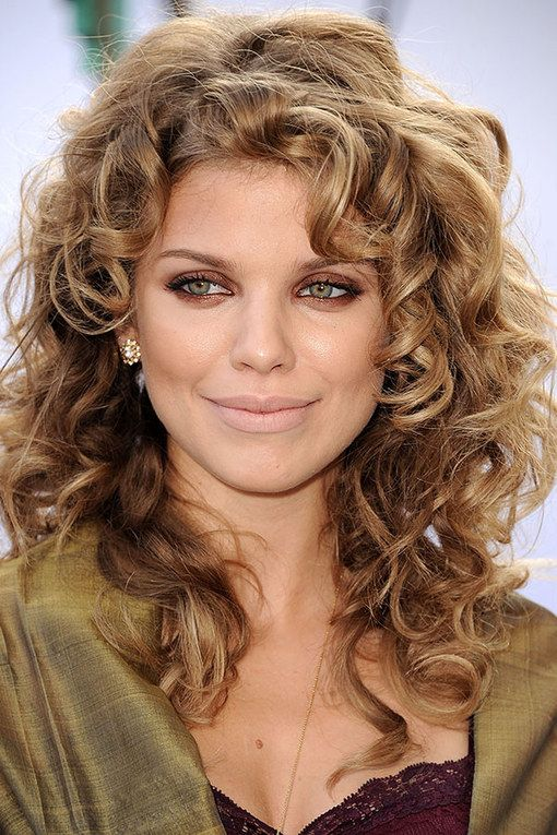 AnnaLynne McCord is one of our fave curly haired celebs.