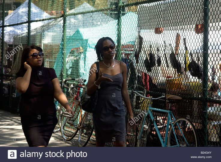 Shoppers at the trendy Brooklyn Flea in the neighborhood of Clinton Hill in New York Stock Photo
