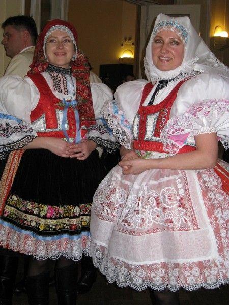 Moravske kroje, Czech R.