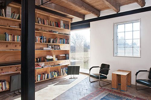 Lots of exposed woodExpo Beams, Offices Spaces, Book Room, Book Shelves, Wall Shelves, Modern Libraries, Wood Shelves, Libraries Interiors, Built In Shelves