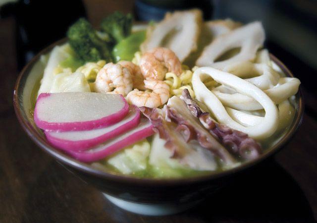 Tchampon - restaurante Hiro    Ensopado de legumes, frutos do mar e carne de porco