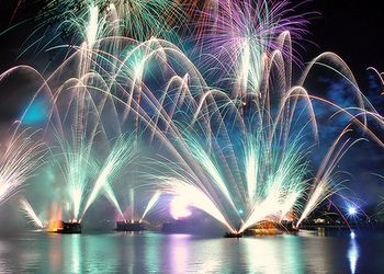 Illuminations - EPCOT...this is actually sponsored by Siemens, my husband's employer. A cool sight to see...