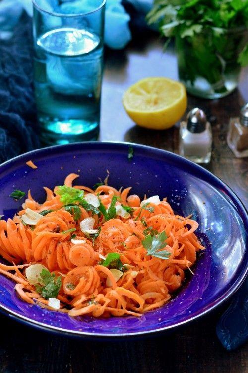 Fokhagymás-petrezselymes sárgarépa-saláta recept