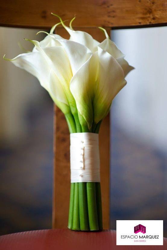 Las flores aportan vida y frescura a cualquier evento. La elegancia y simpleza es sin dudas distinción.