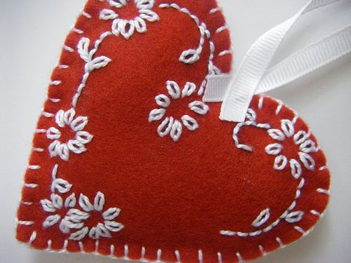 Felt Heart...There are a lot of hearts shown on this site. They are from different people but I couldn't find instructions or purchase information for this one. It is beautiful and I am sure I can recreate it.
