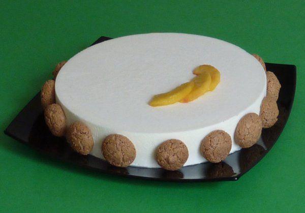 Torta yogurt pesca gialla amaretti