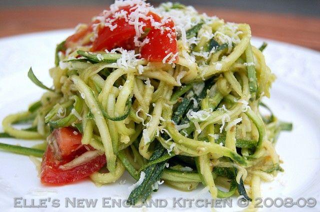 Elle's New England Kitchen - Elle's New England Kitchen - Meatless Monday: Raw Zucchini Pesto Pasta